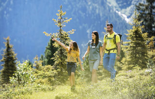 Hiking with the whole family - Summer holiday in the Stubai valley