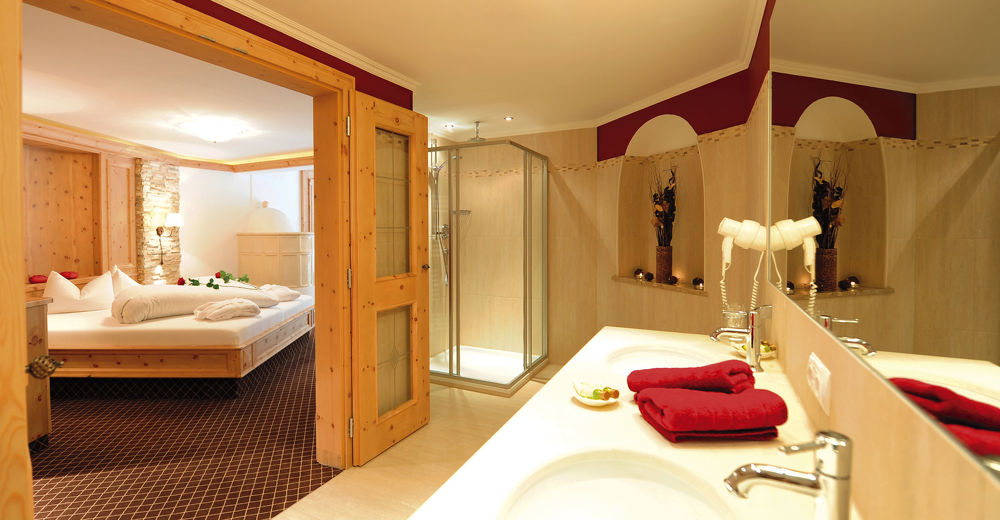 Rooms at the Alpenhotel Kindl in Neustift