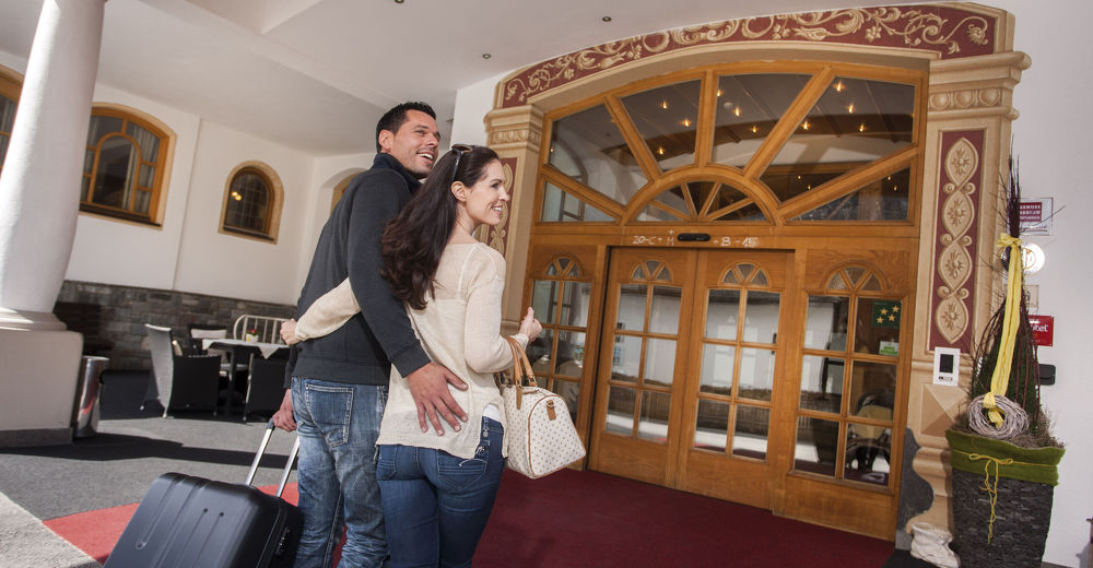 Warm welcome to the four-star Hotel Kindl in Neustift